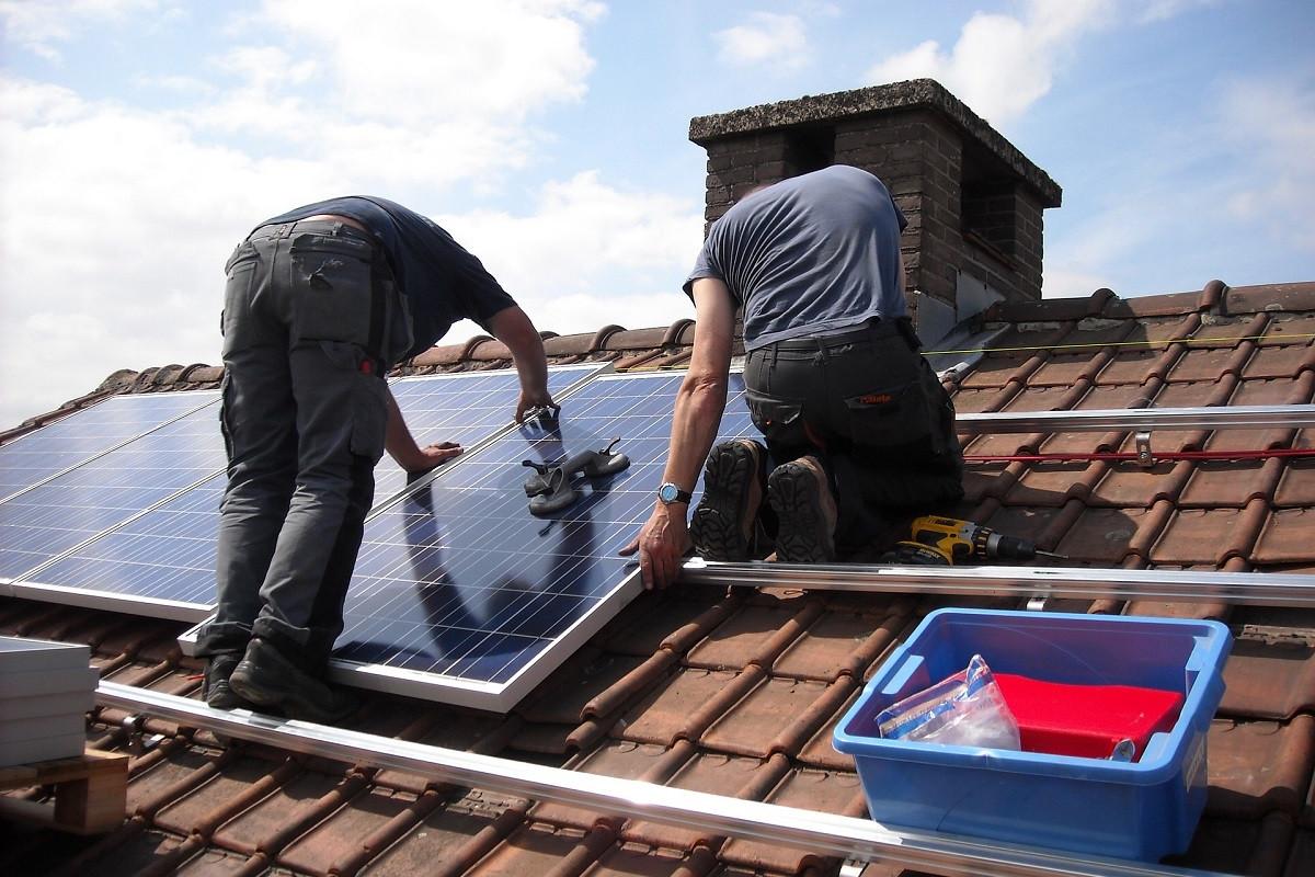 zonnepanelen plaatsen dak