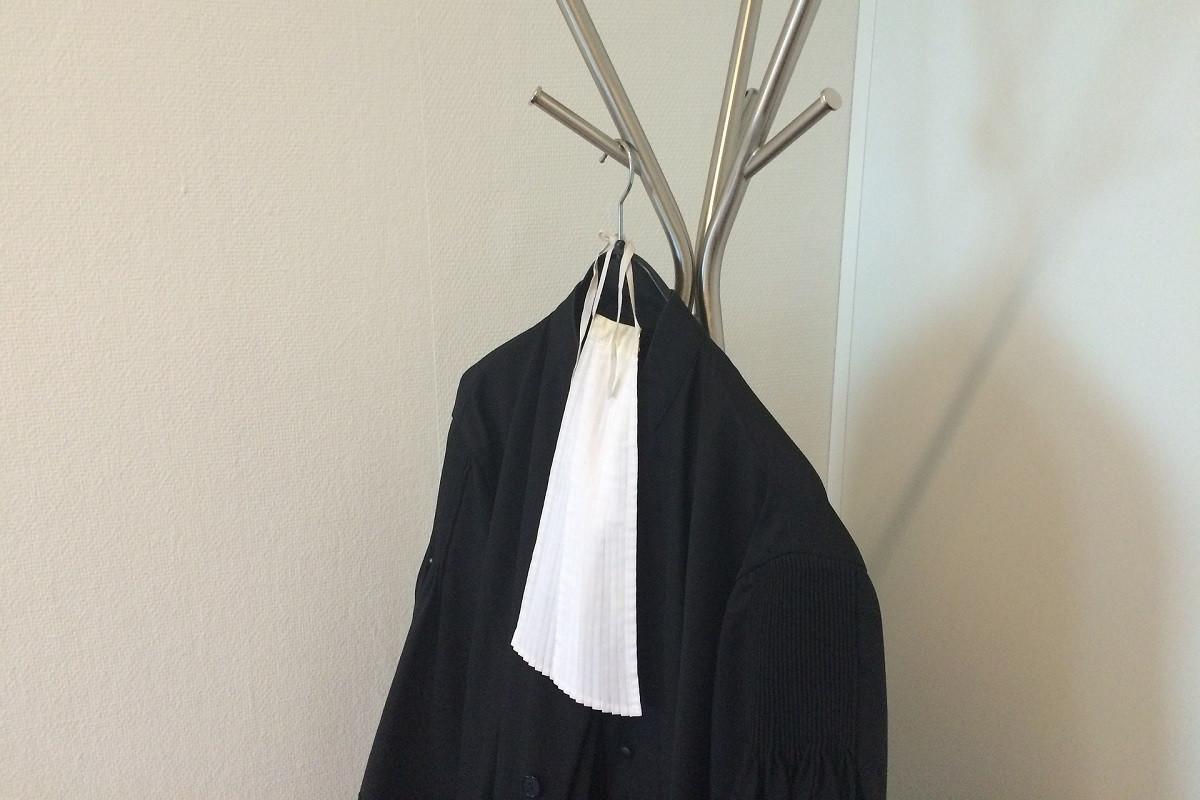 rechtbank uniform